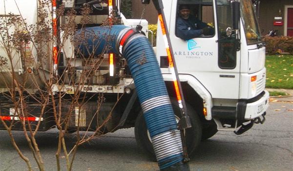 vacuum_leaf_collection_truck