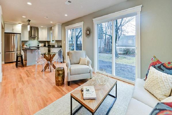 Arlington Designer Homes   Silver