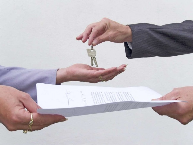 image of lease and keys