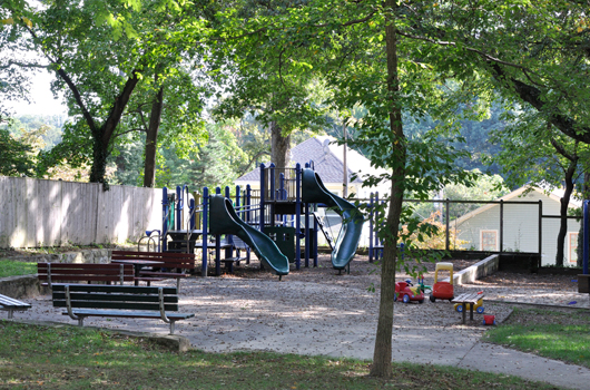 maywood_park_arlington_county_playground