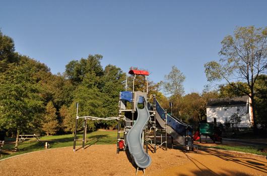 parkhurst_park_arlington_county_playground