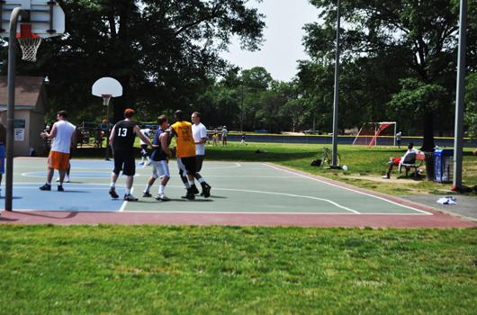 quincy_park_arlington_county_basketball_court