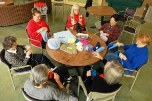 Knitting_PRCR seniors 156